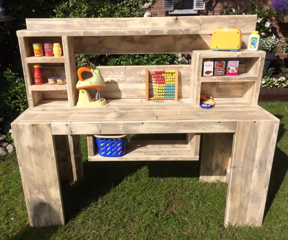 cheap werkbank van fabri nijmegen werkbank van steigerhout with speeltafel kinderen. Black Bedroom Furniture Sets. Home Design Ideas